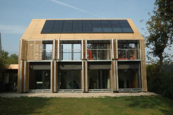 panelle-solaire-bâtiment-à-énergie-positive