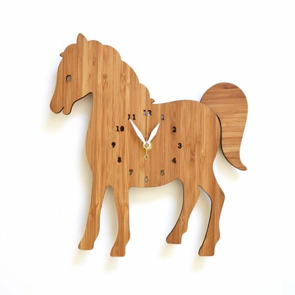 pendule-murale-design-cheval