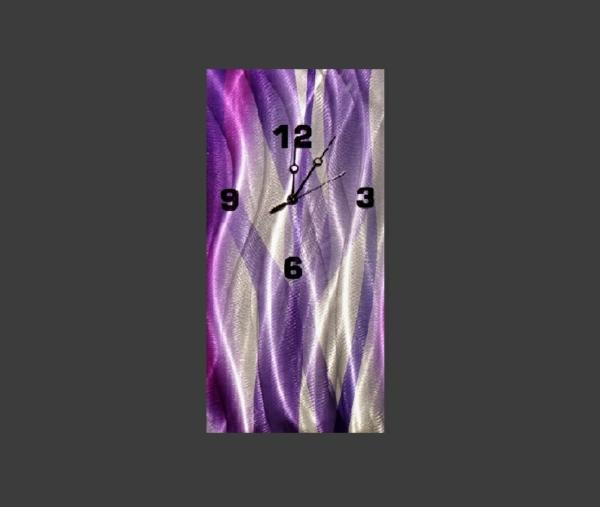 pendule-murale-design-en-lilas