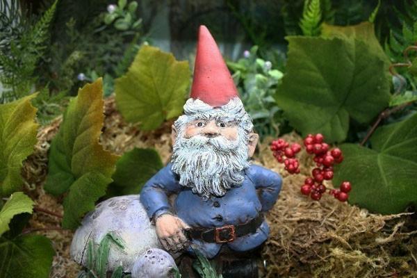 Choisir un nain de jardin pour la déco magique - Archzine.fr