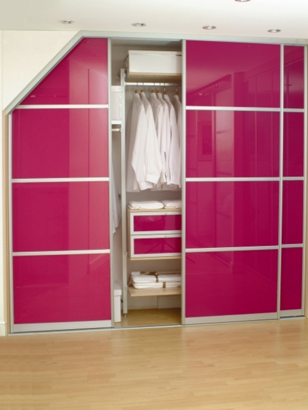 porte-de-dressing-coulissante-en-rose