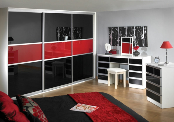 best chambre gris rouge et blanc la porte de dressing. Black Bedroom Furniture Sets. Home Design Ideas