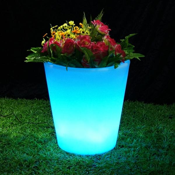 pot-de-fleur-limineux-et-de-jolies-fleurs