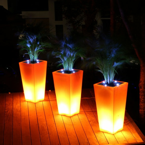 pot-de-fleur-lumineux-trois-pots-de-fleurs-lumière-orange