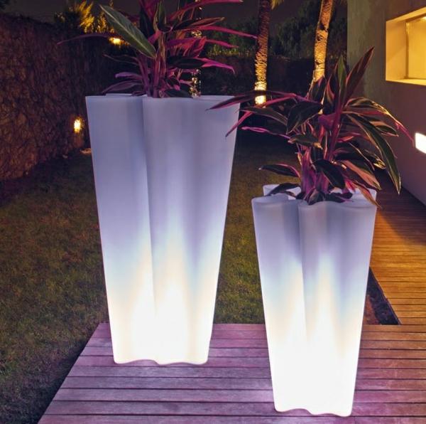 pot-de-fleur-lumineux-deux-pots-de-fleurs