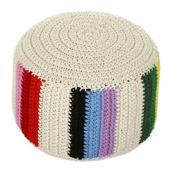 pouf-tricot-en-couleurs