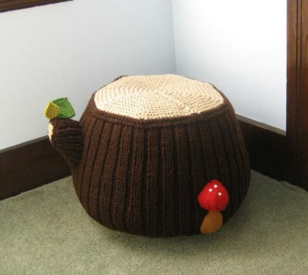 pouf-tricot-décoré