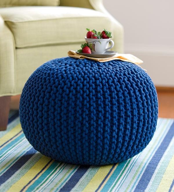 pouf-tricot-bleu