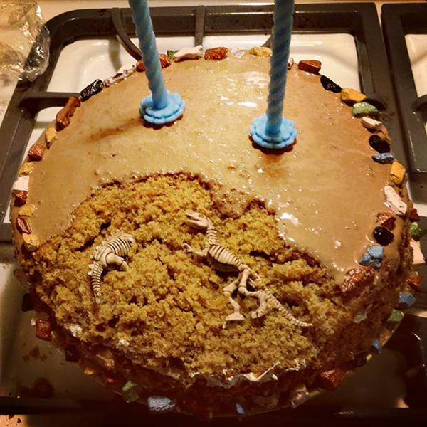 prahistorique-idée-pour-gâteau-d-aniversaire