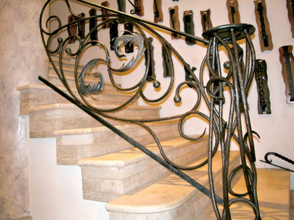 rambarde-fer-forge-escalier-marbre