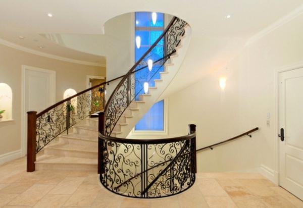rambarde-fer-forge-interieur-escalier-dentelle