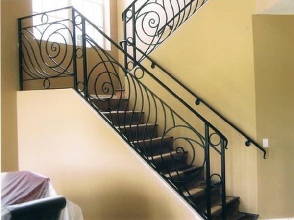 rambarde-fer-forge-noir-escalier