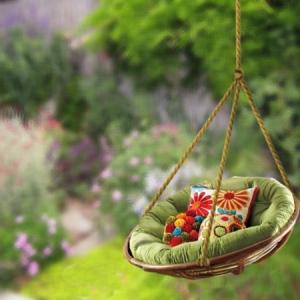 Le coussin pour chaise du jardin