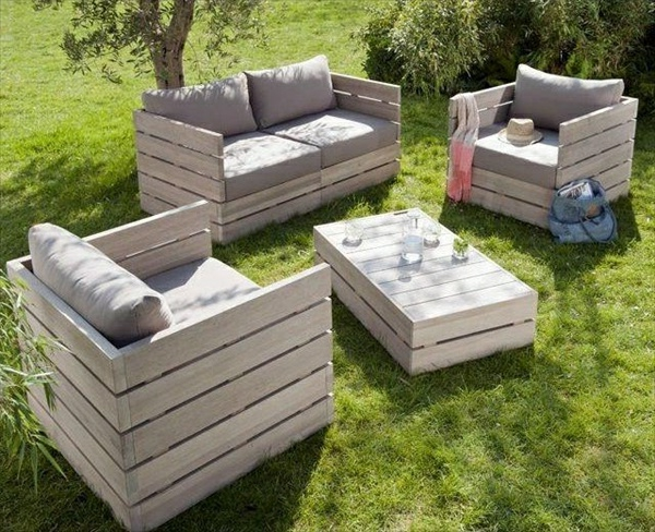 le salon de jardin en palette bricolez vos meubles patio incroyables. Black Bedroom Furniture Sets. Home Design Ideas