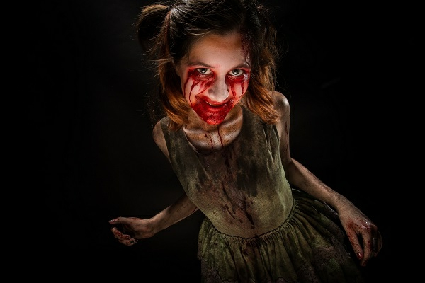 scary-halloween-costume-and-make-up-ideas-creepy-costumes-resized