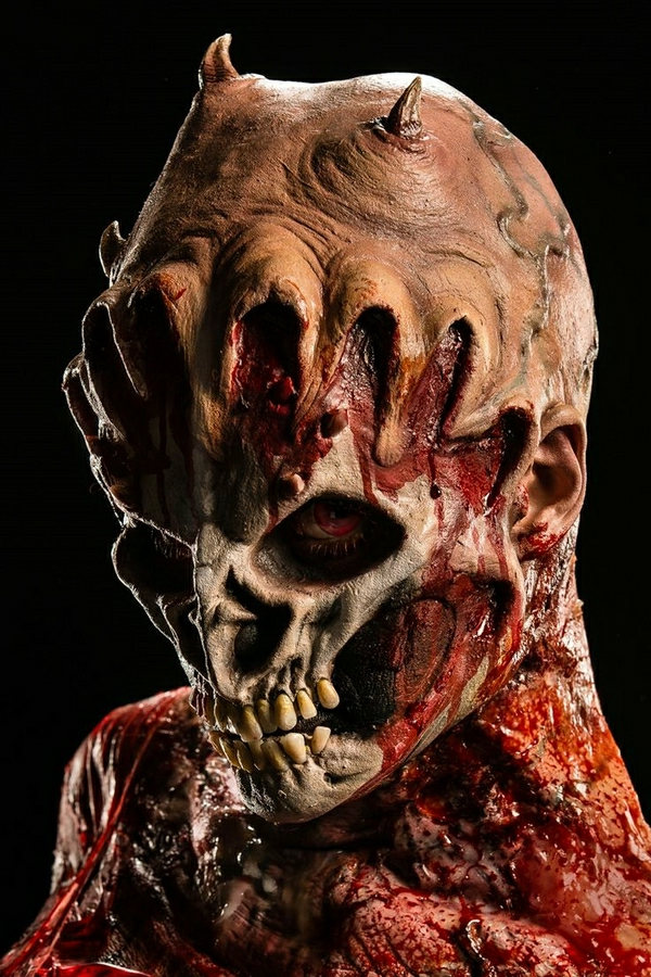 scary-halloween-costumes-masks-and-make-up-ideas-horror-masks-resized