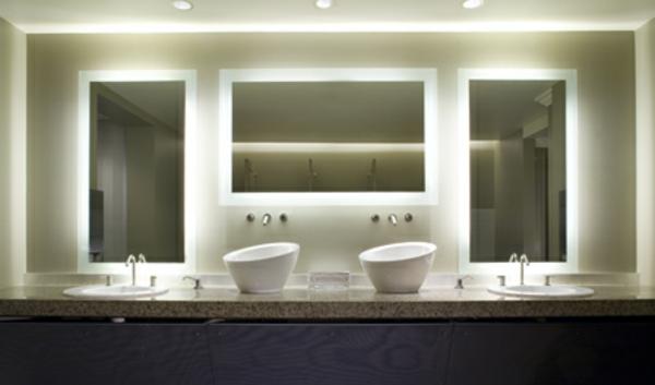 silhouette-éclairage-de -miroir-pour-la-salle-de-bain