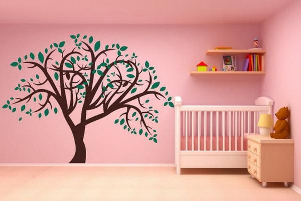 stickers-pour-chambre-bébé-un-arbre-sur-un-mur-rose