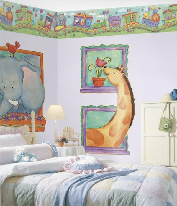 stickers-pour-chambre-bébé-une-girafe-curieuse