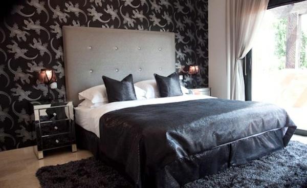 Une t te de lit capitonn e pour un beau style de votre chambre coucher for Chambre a coucher grise et blanche