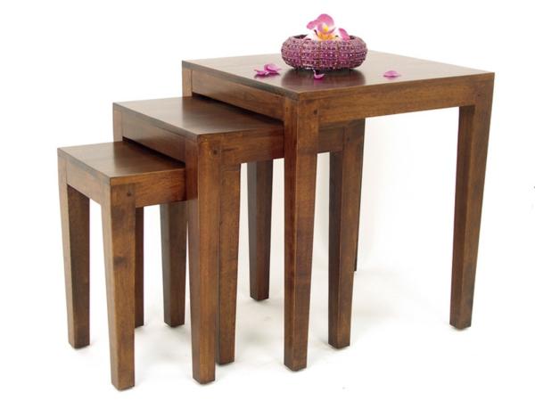 tables-gigognes-en-bois-massif-et-fleurs