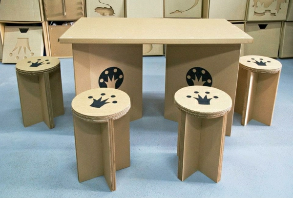 le tabouret en carton meuble original. Black Bedroom Furniture Sets. Home Design Ideas