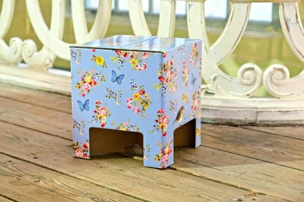 tabouret-en-fleur-en-carton
