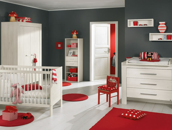 le tapis chambre b b des couleurs vives et de l 39 imagination. Black Bedroom Furniture Sets. Home Design Ideas