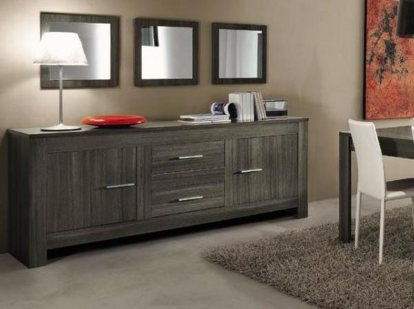 Le vaisselier moderne est chic et cosy for Miroir dessus de buffet