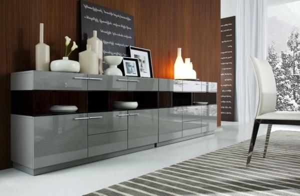 vaisselier-moderne-en-gris-et-noir