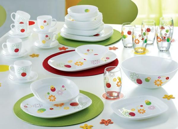 vaisselle-luminarc-des-tasses-et-des-assiettes