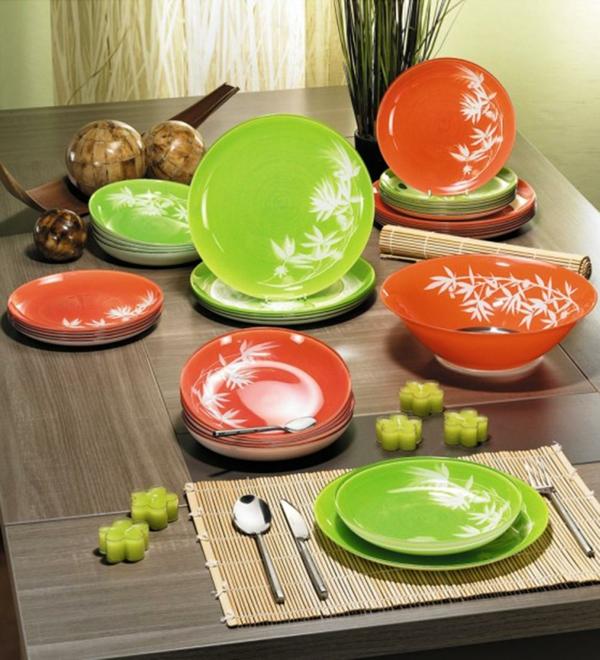vaisselle-luminarc-en-vert-et-rouge