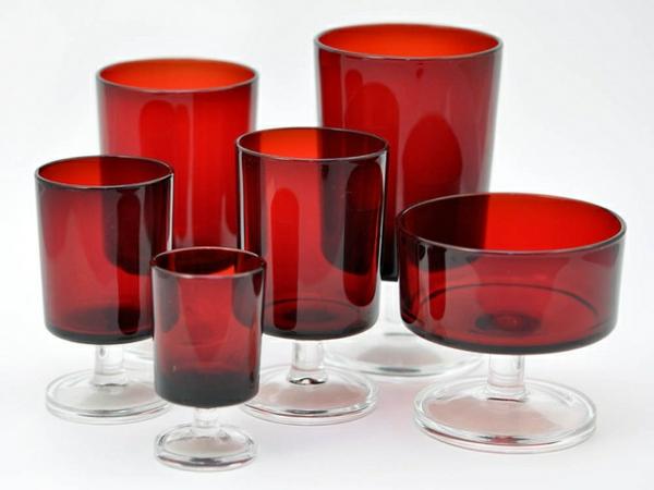vaisselle-luminarc-verres-et-coupelles-rouges