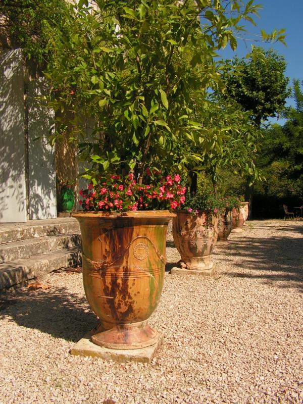 vase-d' anduze-comme-pot-de-fleurs
