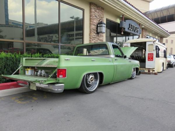vert-retro-voiture-et-camp-car