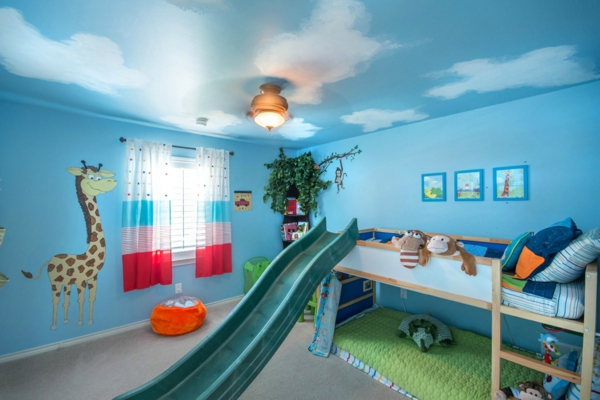 voilage-de-chambre-enfant-coloré-en-bleu-et-rouge