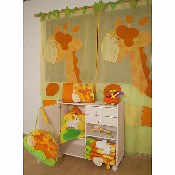 voilage-de-chambre-enfant-une-girafe