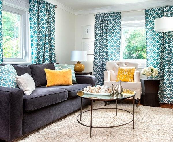 voilage-turquoise-dans-une-salle-de-séjour