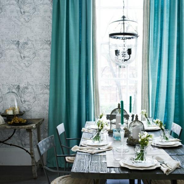 voilage-turquoise-et-plafonnier-extraordinaire-pour-un-intérieur-moderne