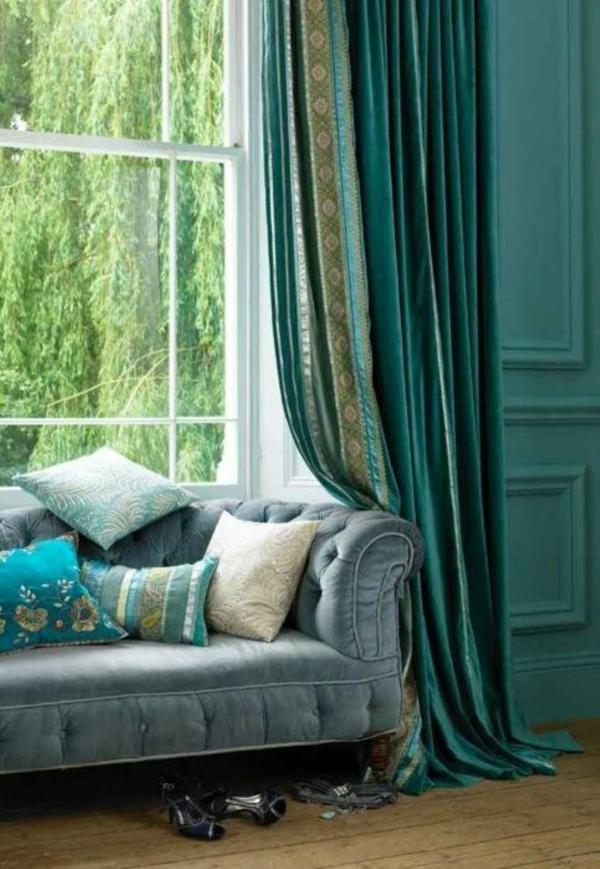 voilage-turquoise-fragment-de-salle-de-séjour