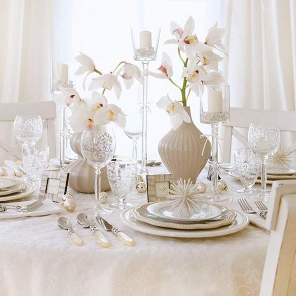 élégante- déco-de-Noël-en -blanc