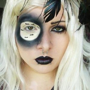 Comment faire le coloriage de Halloween  pour le visage?