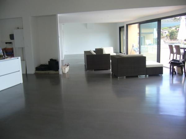 Le b ton cir dans la maison moderne - Beton cire gris clair ...