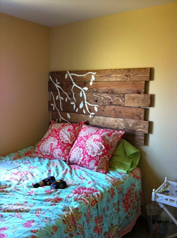 DIY-tête-de-lit-en-coussin