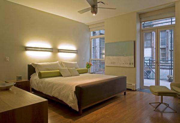 applique-liseuse-deux-appliques-dans-une-chambre-à-coucher