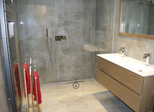 béton-ciré-dans-la-salle-de-bain