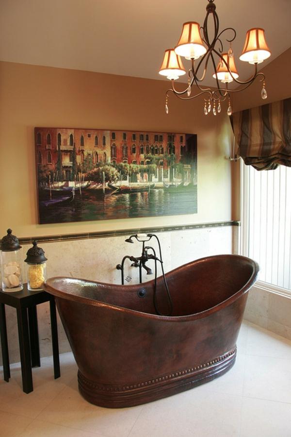 baignoire-sabot-et-peinture-au-mur