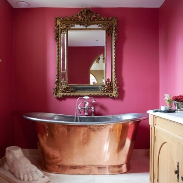 baignoire-sabot-et-un-décor-rose