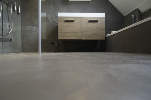 perfect beton cire gris salle de bain beton cire gris with bton cir sur carrelage salle de bain. Black Bedroom Furniture Sets. Home Design Ideas