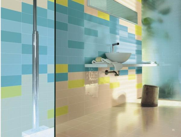Le carrelage mural de salle de bain for Carrelage salle de bain bleu vert